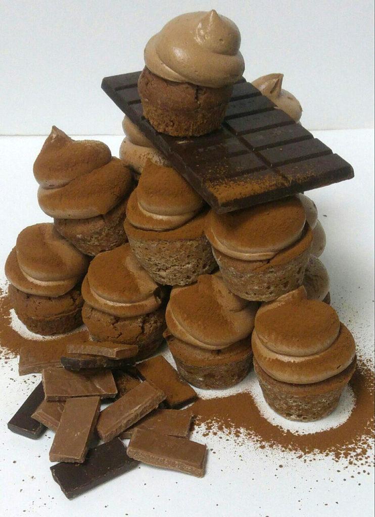 Cupcakes κακάο με σοκολάτα στέβια και βουτυρόκρεμα με στέβια