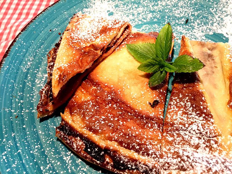 Pancakes στο φούρνο με nucrema ΙΟΝ και άχνη ζάχαρη