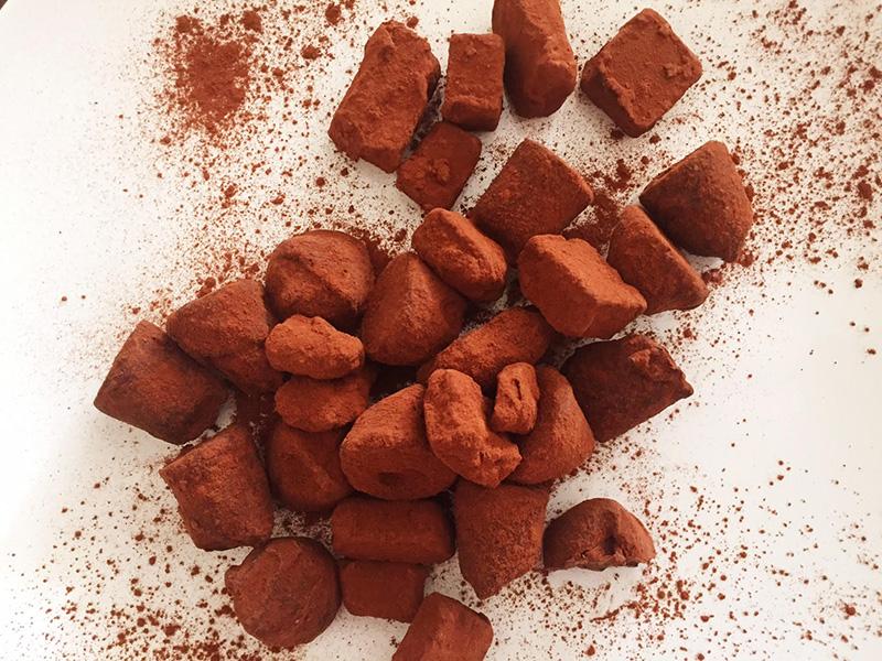 Σοκολατένιες τρούφες με καραμέλα και whiskey