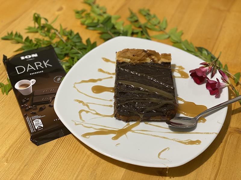 Τάρτα με ΙΟΝ Dark Espresso και αλμυρή καραμέλα